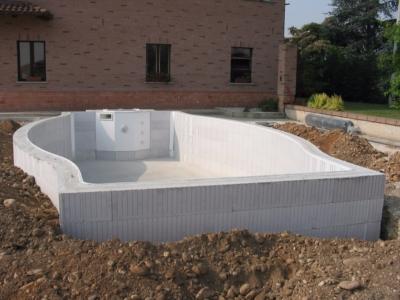 scheletro muratura in cemento costruzione piscina