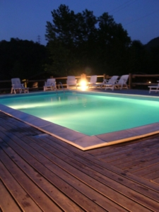illuminazione serale della piscina