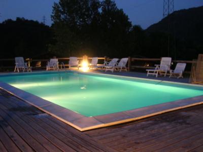 piscina illuminata di serra